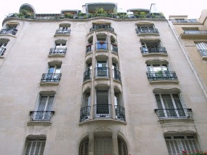 An apartment building in Paris, by Flickr user Steve Cadman, licensed via Creative Commons