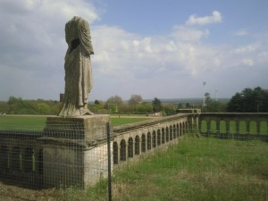 A headless statue surveys Crystal Palace Park, from Ian Yarham, licensed via Creative Commons