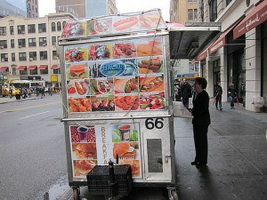 01 Halal cart 23rd St btwn Park & Lex, by flickr user jasonlam, licensed by Creative Commons